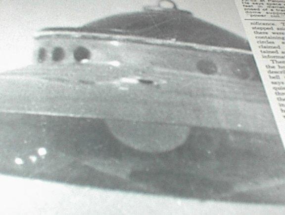 Flying Saucer Reader (Paperback)