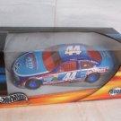 2001 BUCKSHOT JONES Hot Wheels GP Petty Enterprises