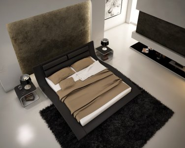 998 Black Leatherette Modern King Platform Bed