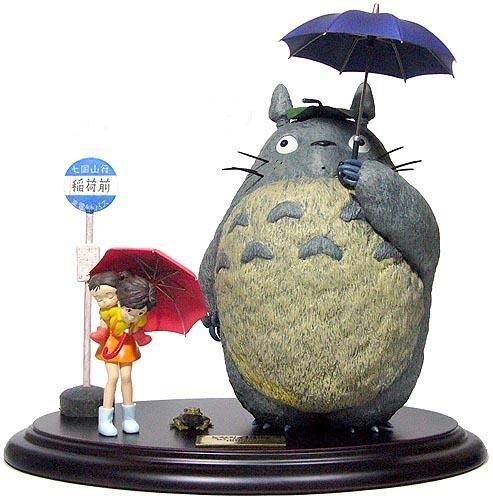 SOLD - Figure - Totoro & Satsuki & Mei & Frog & Bus Stop - cominica - no production (new)