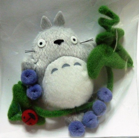 Ghibli - Totoro on Grape Vine & Ladybug - Mascot - Magnet - out of production - RARE - SOLD (new)