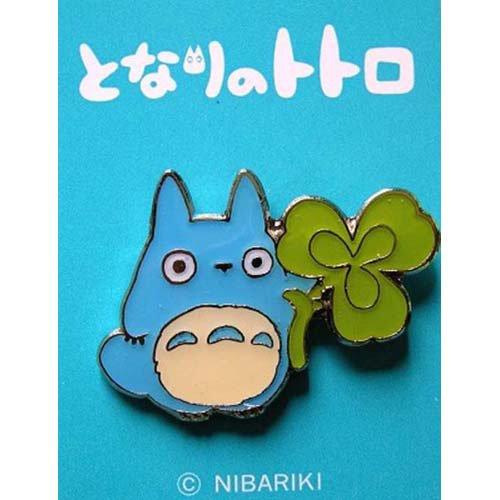 Pin Badge - Chu Totoro holding Clover - Ghibli (new)