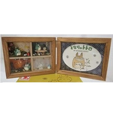 1 left - Collection Frame - Natural Wooden Case - 4 Seasons - Totoro - no production (used)
