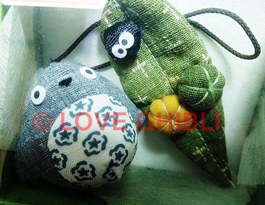 1 left - 2 Strap Holder - Mascot - Totoro & Kurosuke on Leaf with Pumpkin - no production (new)
