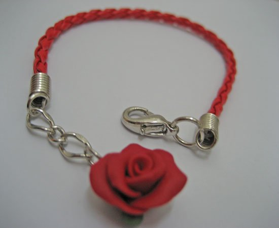 Simple red rose bracelet