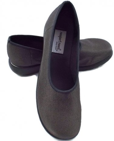 Brown Mary Jane Shoes 7.5 by Newport News