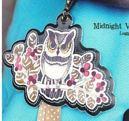 Quaint Retro Owl On A Tree Branch Design Luggage Bag Name Tag Charm