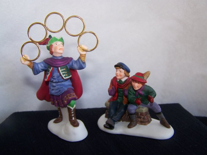 Department 56 Heritage Village Accessories 12 Days of Christmas Five Golden Rings # 5