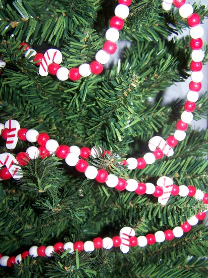 Country Christmas Tree Candy Cane Wood Bead Garland Wooden Beaded Decorations