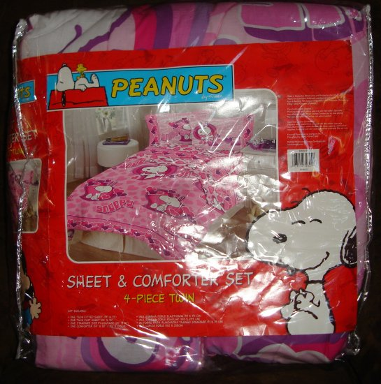 Snoopy Comforter and sheet set twin