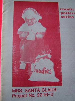 Vintage Sewing Pattern Mrs Santa Claus Doll and Clothing
