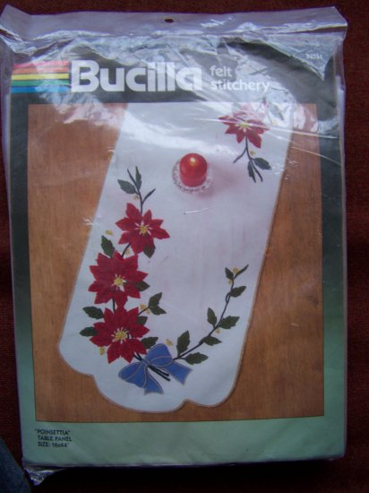 SALE Vintage Bucilla Christmas Felt Table Runner Poinsettia Bead Sequin Applique Craft Kit 82354