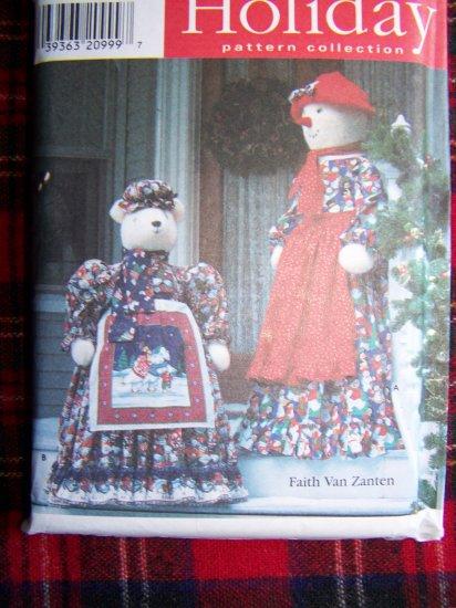 Simplicity Craft Christmas Sewing Pattern 7882 Snowman Snowlady & Polar Bear Dolls w/ Clothes