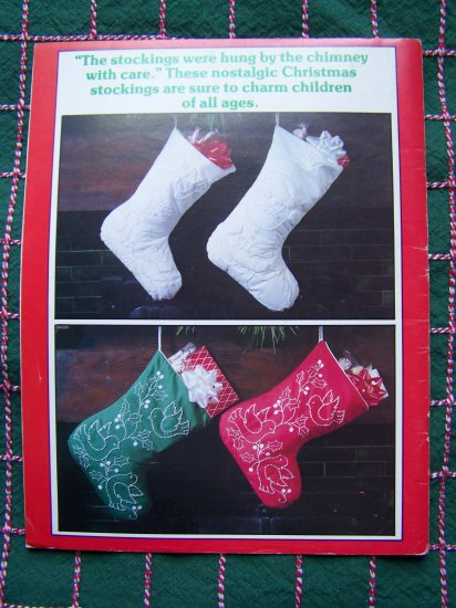 Vintage Iron On Candlewicking Christmas Patterns Stockings Ornaments Wreath Table Runner Plaid 7648