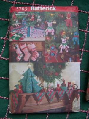 Christmas Crafts Sewing Pattern Mantle Cover Stockings Ornaments Tree Skirt 5783
