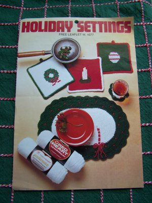 Vintage Christmas Crochet Patterns Table Setting Place Mat Pot Holders Coasters 1077