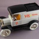 HARD TO FIND VINTAGE DIECAST 1913 FORD MODEL T VAN (LOCKING BANK)