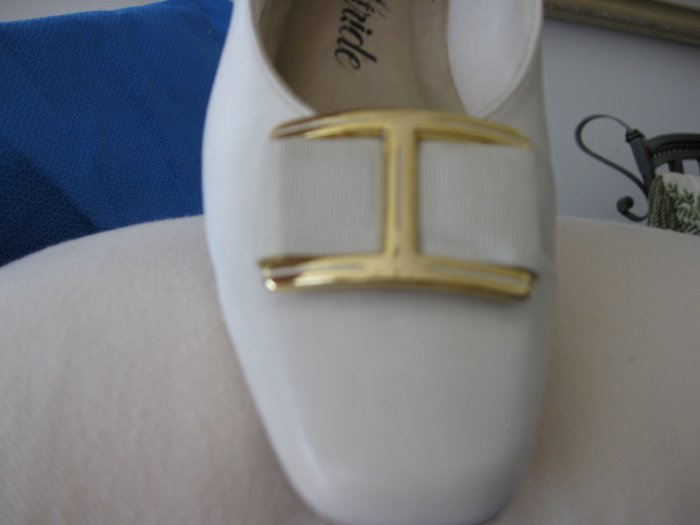 Soft System by Life Stride White Women Shoes