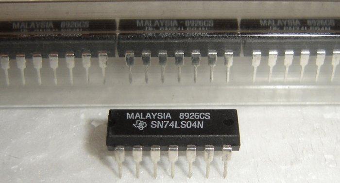 74LS04N / SN74LS04N Texas Instrument Original IC - 3 Pieces