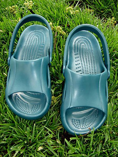 CROCS NILE SHOES EMERALD WMS/YOUTH SIZE 4! BRAND NEW!