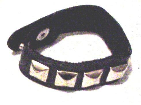 Gothic Black Metal Pyramid Spike Bracelet