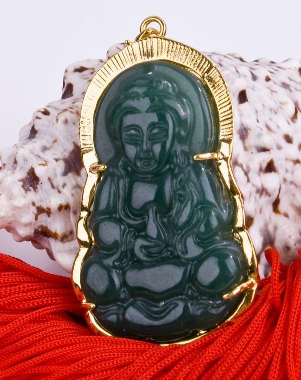 18K Gold Jade Kwan Yin Guan Yin Avalokite�vara Bodhisattva Buddhist Amulet Talisman Pendant