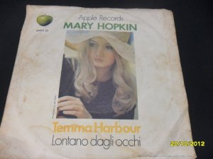 Mary Hopkin 7in Single Temma Harbour Apple