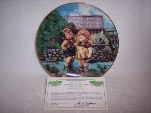 """Hummel Little Companions Plate-""""Hello Down There"""" w/certificate"""