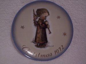 "Hummel>Berta>Schmid>1972 Christmas Collector's Series Plate ""Angel with Flute"""