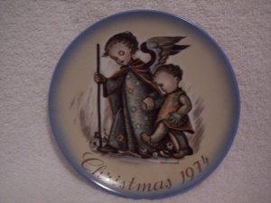 """Hummel>Berta>Schmid>1974 Christmas Collector's Series Plate """"Guardian Angel"""""""