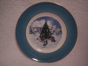 "AVON CHRISTMAS PLATE 1978 ""TRIMMING THE TREE"""
