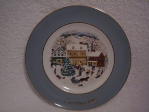 "AVON CHRISTMAS PLATE 1980 ""WEDGWOOD COUNTRY CHRISTMAS"""
