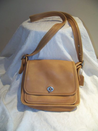 Authentic Coach tan leather tote purse Classic Collection 9061