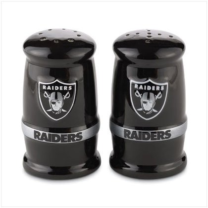 Sculpted Salt & Papper Shakers- Oakland Raiders