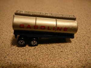 RIG TRACTOR TRAILOR GASOLINE MICRO MACHINES VERY RARE