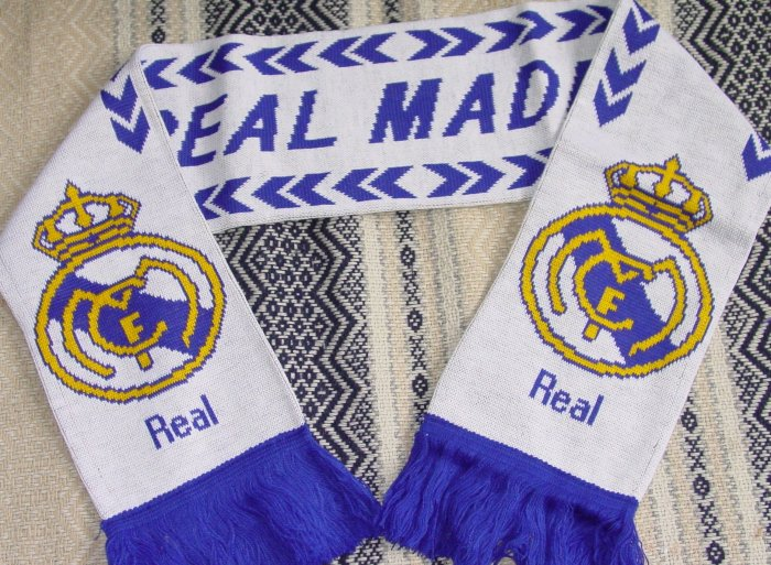 REAL MADRID CF TEAM/CLUB SCARF SOCCER (EC)- WE SHIP USPS