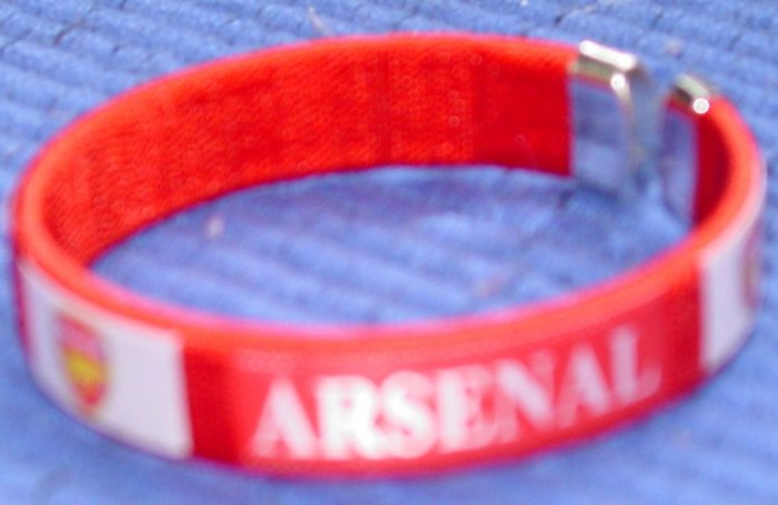 ARSENAL FC BRACELET/WRISTBAND SOCCER RED (E)- WE SHIP USPS