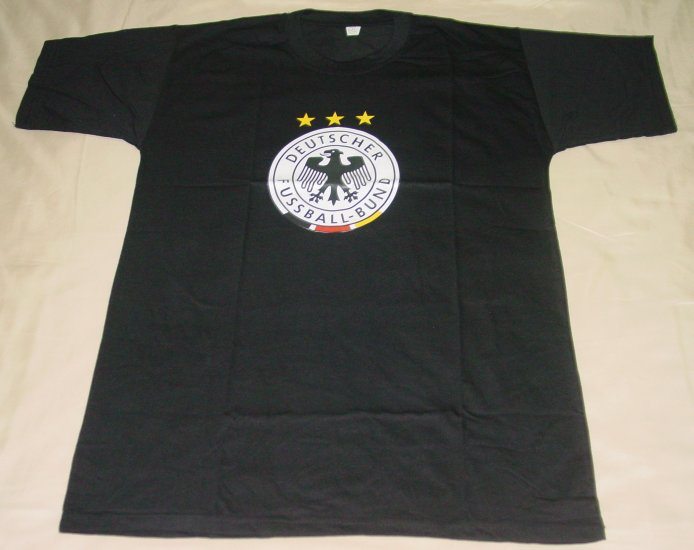 GERMANY SOCCER T-SHIRT SIZE MEDIUM (EC) WE SHIP USPS