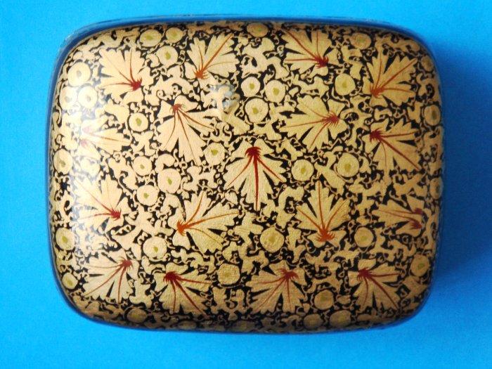 Hand-painted Kashmir Indian Lacquered Paper Mache Trinket Box decorative large rectangular