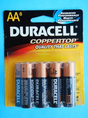 Duracell Coppertop AA Advanced Performance Alkaline Batteries 8 pack unused 1.5 V MN1500B8