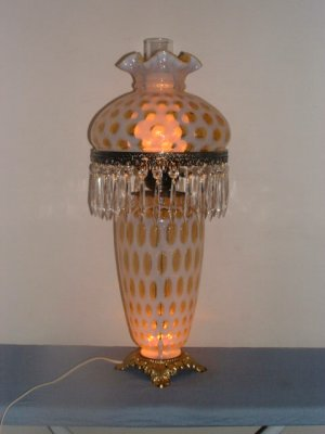 Fenton Honeysuckle Coin Dot Opalescent Lamp With Prisms