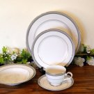 Mikasa Platinum Crown 5 Piece Place Setting