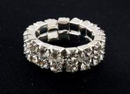 14K HWGE 7ct diamond simulated SWEET stretch ring, size 7-8 (fr-12)