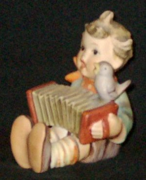 """Early 1960s HUMMEL Figurine - LET'S SING (#110 TMK3) - 3"""" Tall"""