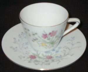 Vintage SELTMANN WEIDEN, Bavaria - Cup and Saucer Set - MONIKA