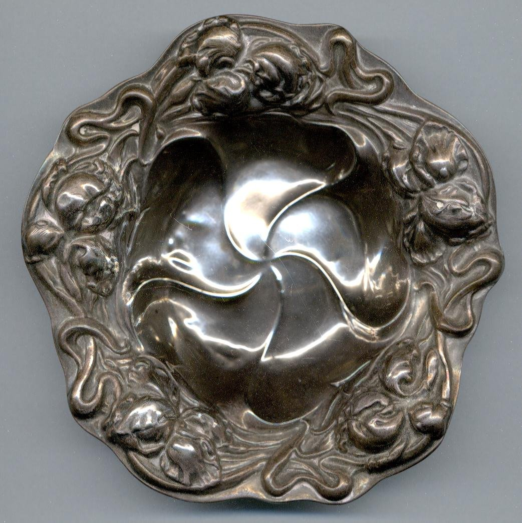 Vintage STERLING SILVER Ashtray w/ Elaborate Floral Motif