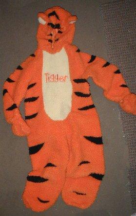 Halloween Costume Disney Store Tigger 2-4t winnie the pooh tiger w/ sounds