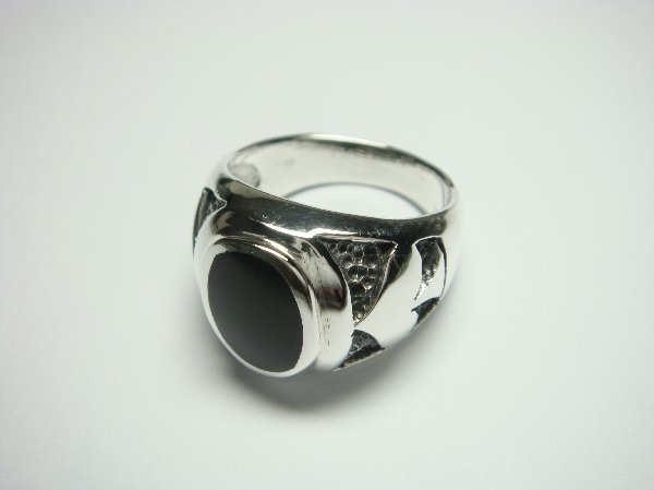 Sterling Silver Man's Spade Oval Onyx Ring, 11.25gr