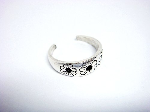 925 Sterling Silver Flower Oxidized Adjustable Toe Ring