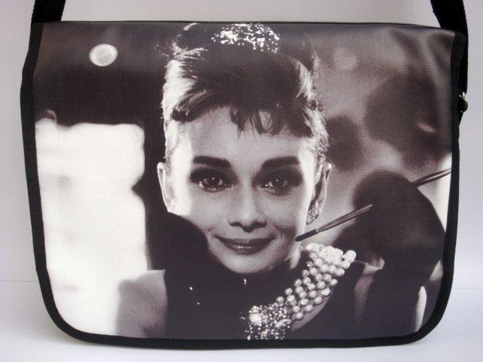 "Audrey Hepburn Retro Tiffany's Classic 15"" Laptop Notebook Case Bag"